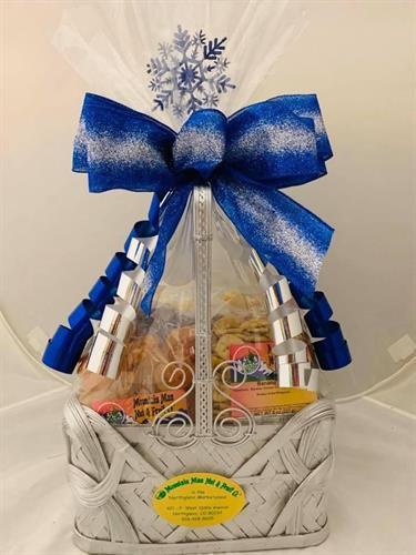 Gallery Image blue-basket.JPG