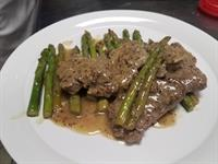 Mustard Grained Beef Fillet with Asparagus