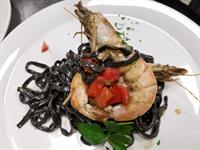 Squid Ink Linguine Prawn Schrimp Fresh Diced Tomato
