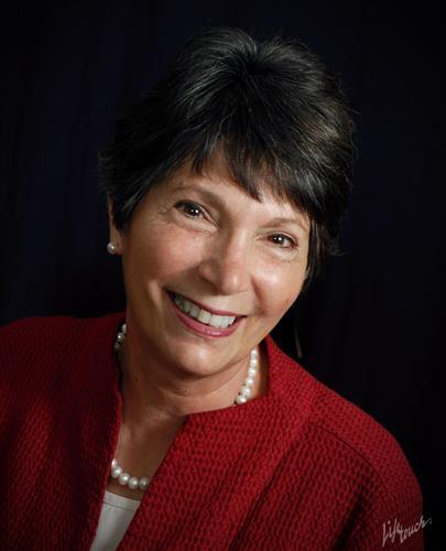 Linda Bianchi, Broker