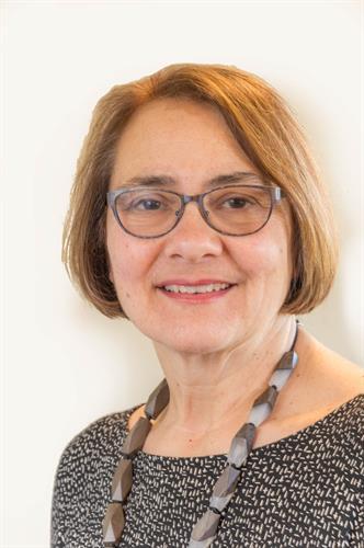 Sarah Schosboek, Broker