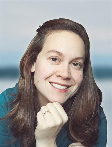 Sophia Stendahl, Broker