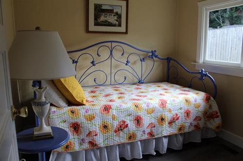 Gallery Image Quartermaster_Cottage_Bedroom_2.JPG