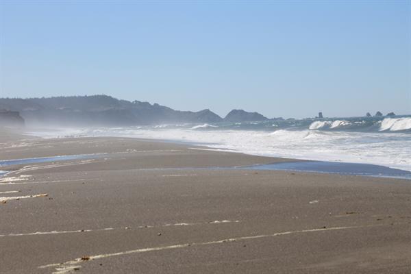 Gallery Image Beach_(2).JPG
