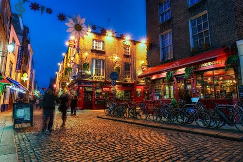 Gallery Image Dublin-Ireland-Temple-Bar-street-scene-night-HDR.jpg