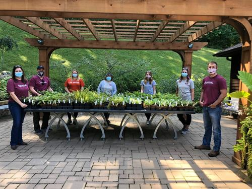 F&M Bank and Mortgage teams volunteer at 2020 Day of Caring