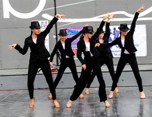 Formation Dancing