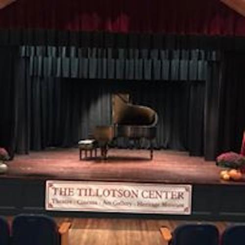 The Steinway in the Kaufmann Theater @theTilly