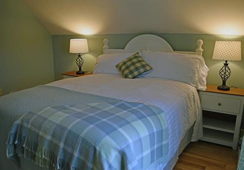 Queen Bedroom - Suite 3  Three Brothers