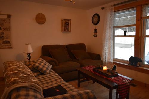1890 Suite Living Room