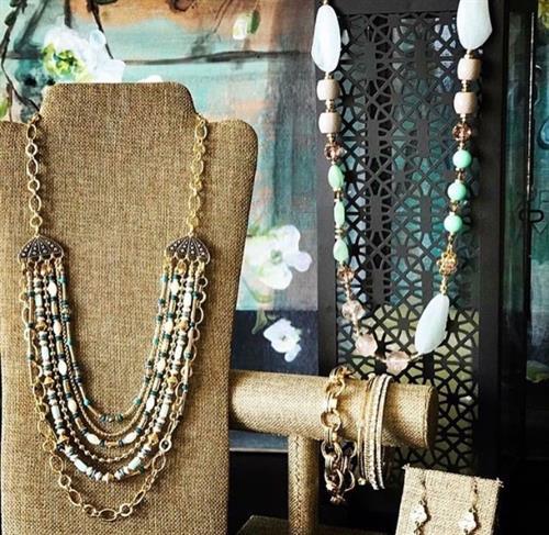 Vacay necklace; Bouquet necklace