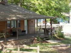 Cozy Cove Cottage - Sleeps 6 - Lakefront with Hot Tub, WiFi & dog friendly!