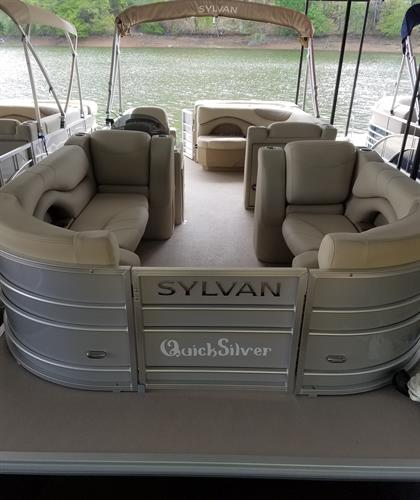 QuickSilver - Rental Pontoon