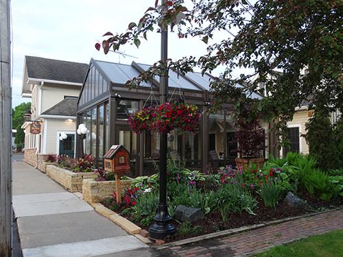 Gallery Image Gardens_Spring_Lake_Elmo_Inn_s.jpg