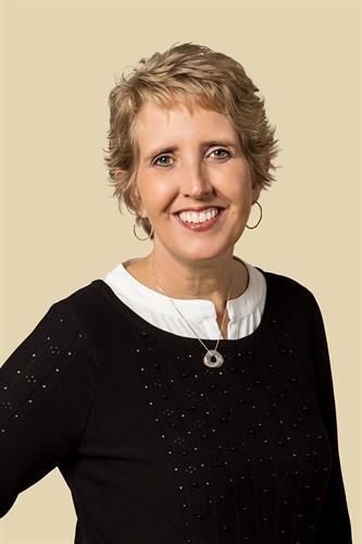 Dr Tricia Carlson