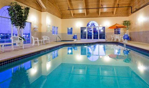 Indoor Heated Pool with Hot Tub