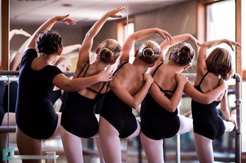 Gallery Image IPAC_Dancers.jpg