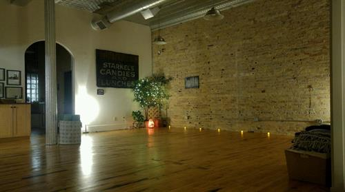 A calming space for Yoga + Acupuncture Class