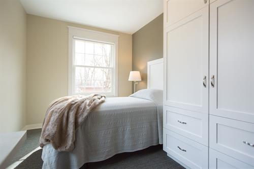 Gallery Image Retreat_WomensCenter_Bedrooms-2.jpg
