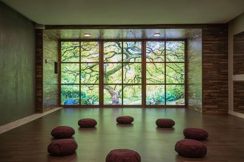 Gallery Image Retreat_WomensCenter_MeditationRoom-1.jpg