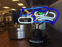 Gallery Image Seahawks_Neon_Lamp.JPG