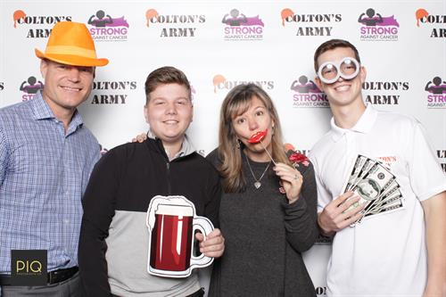 Gallery Image PIQ_Photobooth_Co.-CAG_Breakfast_of_Champions-Mill_Creek_WA-2.jpg
