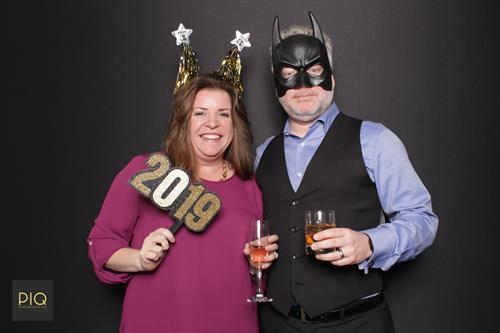 Gallery Image PIQ_Photobooth_Co.-NYE_Spectacular_at_The_Cottage-Bothell_WA-B.jpg