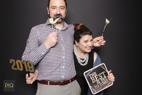 Gallery Image PIQ_Photobooth_Co.-NYE_Spectacular_at_The_Cottage-Bothell_WA-C.jpg