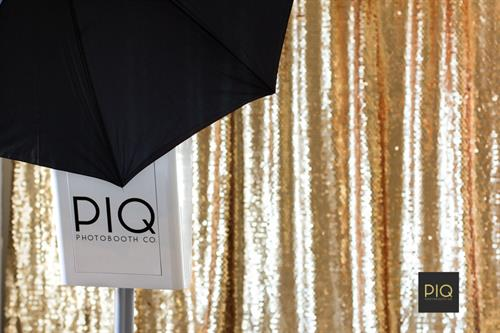 Gallery Image PIQ_Photobooth_Co_Gold_Sequin_Bothell_WA.jpg