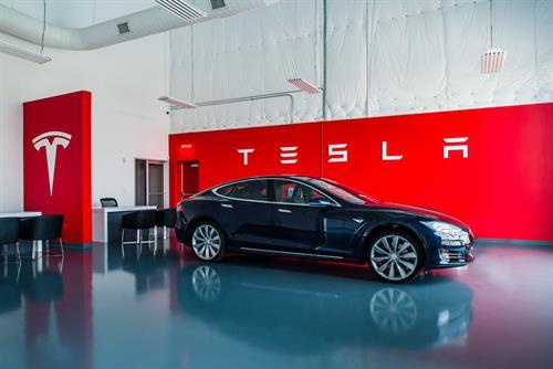 Gallery Image ANG_150812_Tesla-032.jpg