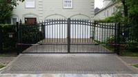 Dual swing gate and dual operator install