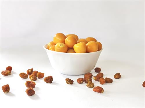GOLDEN's Fresh and dried goldenberries