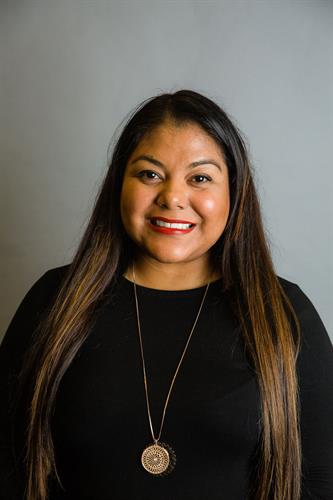 Luz Alvizo, Bond Manager
