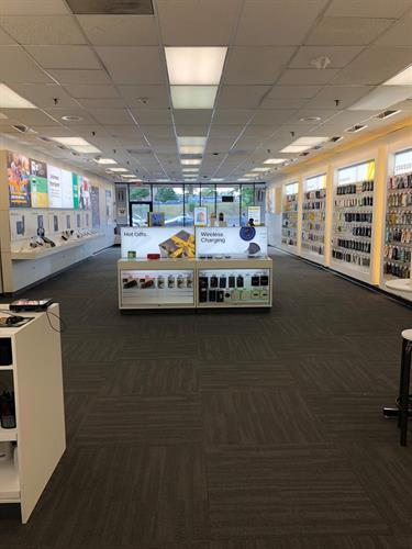Inside Sprint Store 6440