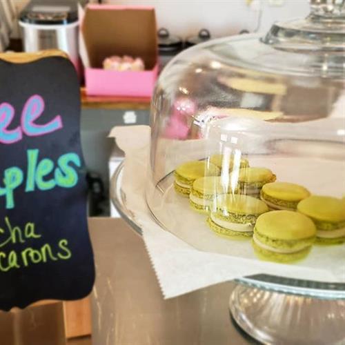 Free Matcha Tea Flavored Macarons