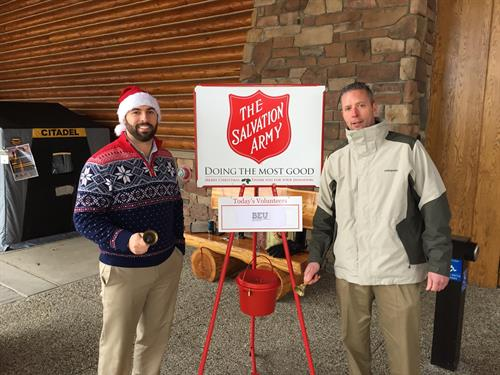 There are few things more rewarding at the holiday season that being able to make a difference in the lives of others. This year, theBEU sales team raised almost $600 ringing the bell in front of Cabela's.