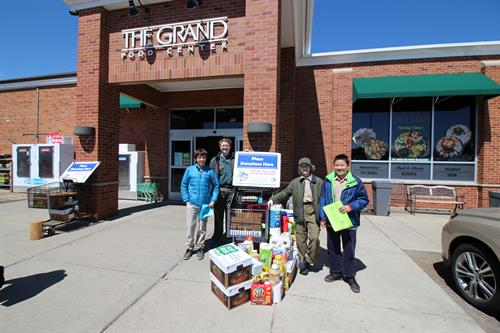 Scouts collecting food for the New Trier Township Food Pantry, Spring 2019