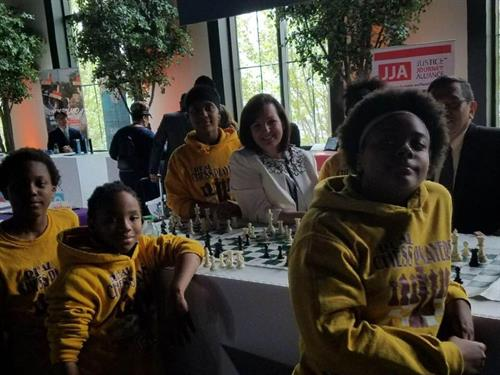 At the Jack Kemp Forum on Expanding Opportunity on the south side. Playing my favorite game with these young chess champions. #SaveIllinois #NoMoreMadigan