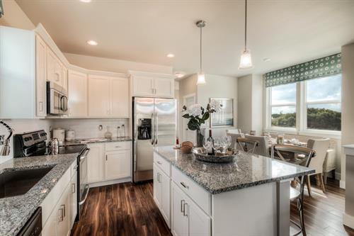 Bright Kitchen and Dining in Ocean Cottage