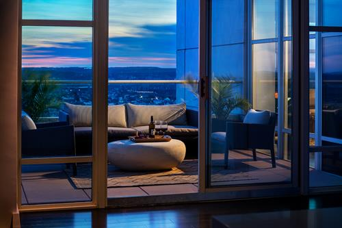 Gallery Image TPG517sunset_balcony.jpg