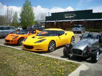 The Lotus car club grabbing a bite to eat at the Palisades Restaurant!