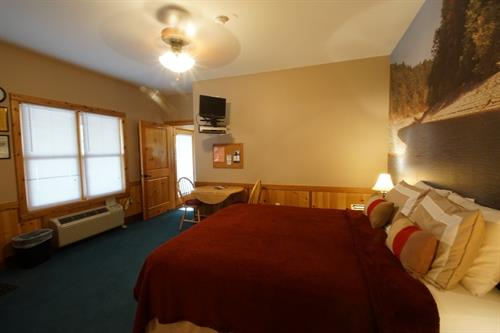 Cozy Turtle room 1A,  Queen size bed, TV with DVD/VHS player, small frig, microwave, Coffee maker