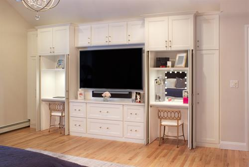 A lot of function in multi-functional cabinets.
