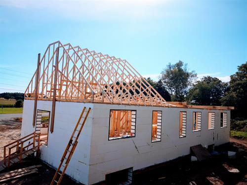 Gallery Image Trusses_-_Colborne_Construction.jpg