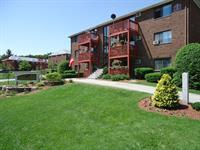 Milford Trails Apts: Pet Friendly Apartments in Milford NH