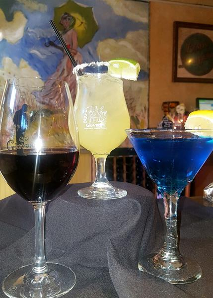 Gallery Image Cocktails.jpg
