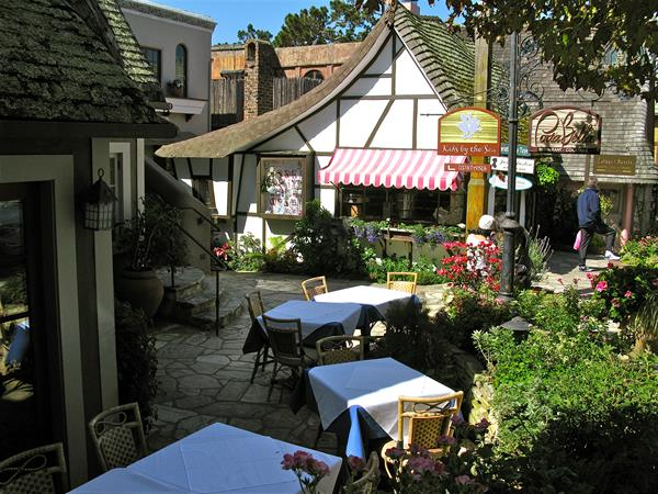 Location:  In the courtyard behind Cottage of Sweets