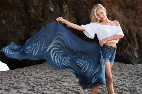 giant kelp cashmere wrap