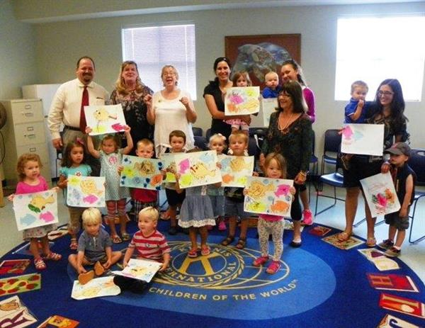 Friends of SWBL sponsored a story time with local artist/teacher Talis Jayme of Artworks Gallery where kids painted fish from The Gulf of Mexico.
