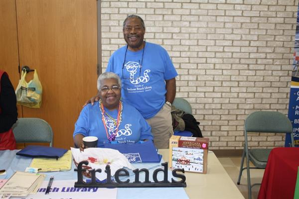 Friends members Bill & Jeannette Phillips recruiting new members.